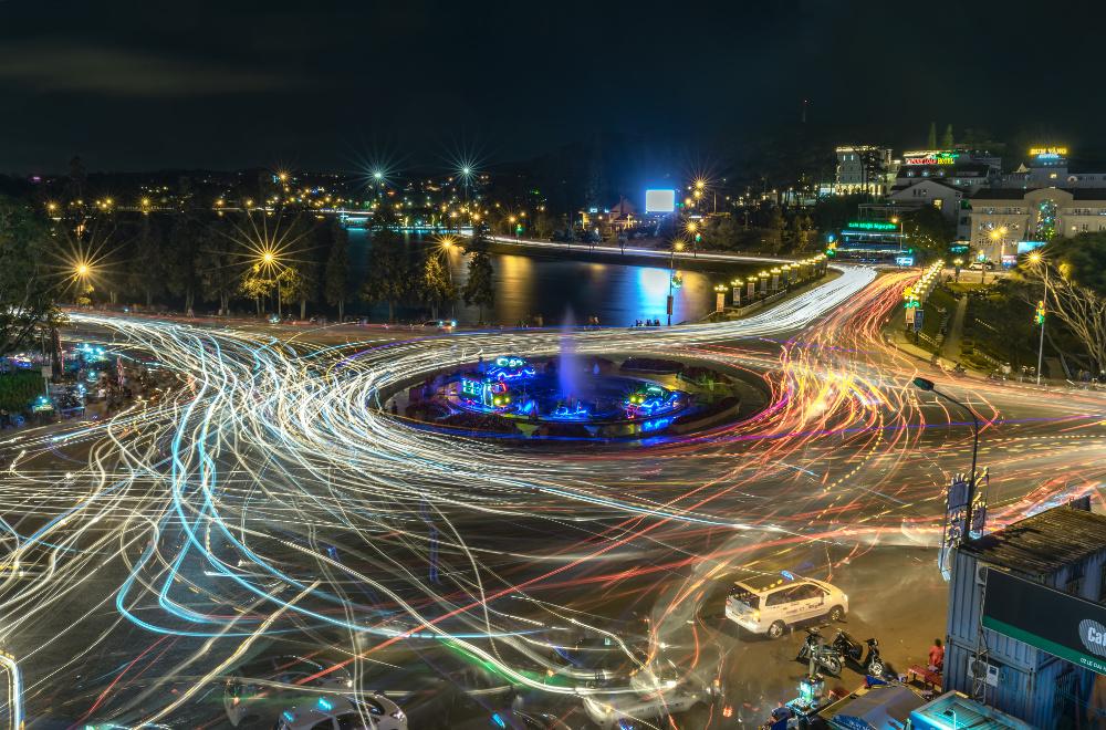 Crazy nighttime roundabout